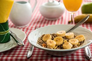 Bananas and Cereal as Part of a Healthy Diet to Help Stop Food Cravings